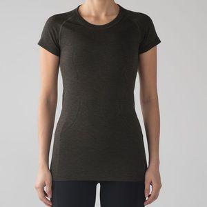 Lululemon Olive short sleeve shirt